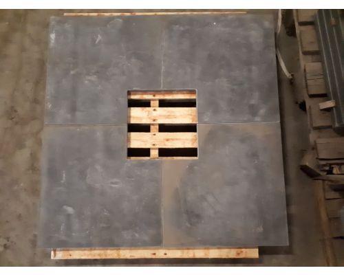 4 x Chinees hardsteen hoekstuk 35x35x50cm.