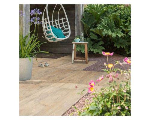 Restant 8,5 m2 Paduc Oak keramiek op beton
