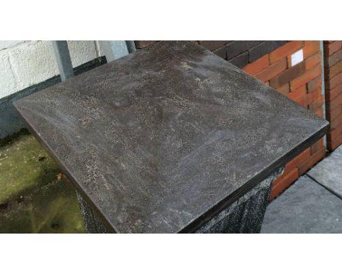 Kolomafdekker Chinees hardsteen . 37x37x6/3cm.