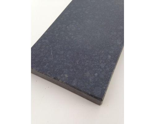 Basalt vijverrand gezoet/facet 30x3x100cm.